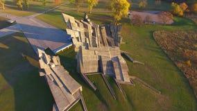 """Vista aérea fuerte de Kaunas noveno del †de la arquitectura monumental """"- monumento de la Segunda Guerra Mundial almacen de metraje de vídeo"""