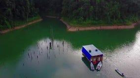 Vista aérea hermosa de Belum real Malasia almacen de metraje de vídeo