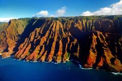 Vista aérea hermosa de la costa espectacular del Na Pali, Kauai imagen de archivo