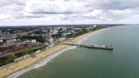 Vista aérea hermosa de la playa de la playa de Bournemouth Fotos de archivo libres de regalías