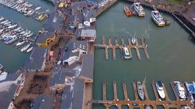 Vista aérea hermosa del embarcadero 39 en San Francisco almacen de video