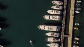 Vista aérea - iate, barcos e catamarãs video estoque