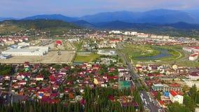Vista aérea na cidade costeira video estoque