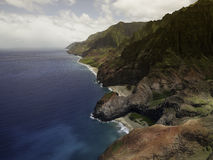 Vista aérea na costa do Na Pali na ilha de Kauai Fotos de Stock