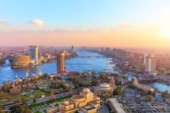Vista aérea no Cairo no por do sol, panorama da torre imagem de stock