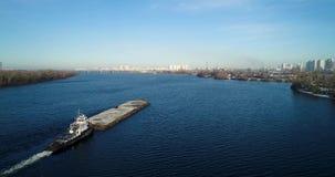 Vista aérea no del río de Dnieper en Kiev metrajes