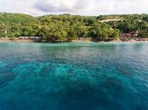 Vista aérea no oceano e nas rochas Fotografia de Stock