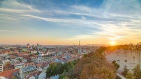 Vista aérea no timelapse do centro de Zagreb, tempo do por do sol, capital da Croácia vídeos de arquivo