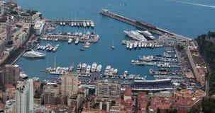 Vista aérea panorámica hermosa del puerto Hercule And Monte-Carlo en el principado de Mónaco almacen de metraje de vídeo