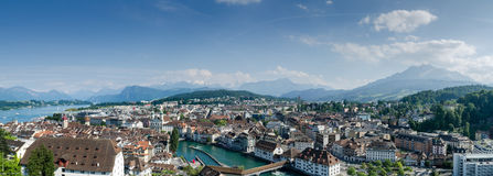 Vista aérea panorâmico muito grande da cidade da lucerna, Suíça Foto de Stock Royalty Free