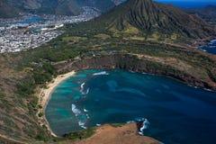 Vista aérea que sorprende de la bahía escénica Oahu Hawaii de Haunama fotografía de archivo libre de regalías