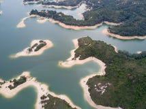 Vista aérea sobre o reservatório de Hong Kong Tai Lam Chung sob o tempo do smokey Foto de Stock