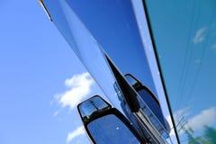 Vista abstracta de un viaje cada uno vista con su espejo y ventanas de cristal fotos de archivo