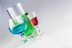 Vista ad angolo delle bevande variopinte Fotografia Stock