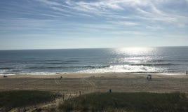 Vista ad una spiaggia immagine stock