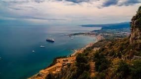 Vista aerea alla baia di Taormina, Sicilia Italia Immagine Stock Libera da Diritti