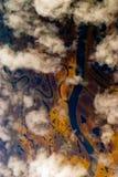 Vista aerea attraverso le nubi Fotografia Stock Libera da Diritti