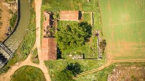 Vista aerea, azienda agricola abbandonata e rovine Immagine Stock Libera da Diritti