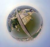 Vista aerea: città moderna fotografia stock libera da diritti