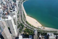 Vista aerea, costruzioni, spiagge e lago Michigan di Chicago Fotografia Stock
