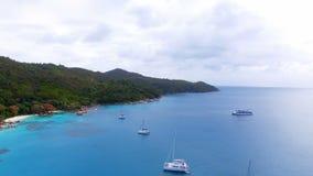 Vista aerea degli yacht nell'Oceano Indiano 3, Seychelles stock footage