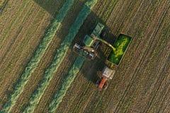Vista aerea dei campi del raccolto con l'associazione Immagini Stock