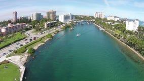 Vista aerea dei canali navigabili di Florida archivi video