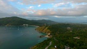 Vista aerea dei generatori eolici vicino al mare a Phuket Fotografie Stock Libere da Diritti
