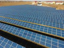 Vista aerea dei pannelli solari Immagine Stock