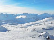 Vista aerea dei pendii della stazione sciistica di Les2Alpes, Francia Immagine Stock
