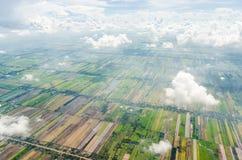 Vista aerea del campo e del cielo di agricoltura in Tailandia Fotografie Stock Libere da Diritti