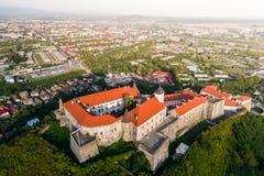 Vista aerea del castello di Palanok, situata su una collina in Mukacheve, l'Ucraina Immagini Stock Libere da Diritti