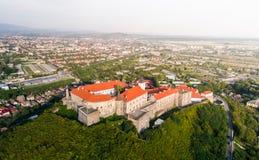 Vista aerea del castello di Palanok, situata su una collina in Mukacheve, l'Ucraina Fotografie Stock Libere da Diritti