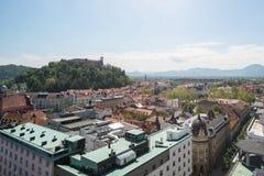 Vista aerea del castello di Transferrina al tramonto in Slovenia fotografia stock libera da diritti