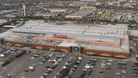Vista aerea del centro commerciale, Auchan stock footage