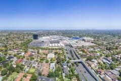 Vista aerea del centro commerciale gigante Fotografia Stock Libera da Diritti