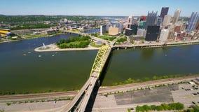 Vista aerea del centro di Pittsburgh archivi video