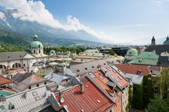 Vista aerea del centro urbano di Innsbruck Immagine Stock Libera da Diritti