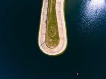 Vista aerea del frangiflutti in mare, talpa, pilastro, sperone Fotografia Stock