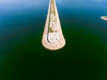Vista aerea del frangiflutti in mare, talpa, pilastro, sperone Immagini Stock Libere da Diritti
