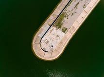 Vista aerea del frangiflutti in mare, talpa, pilastro, sperone Fotografia Stock Libera da Diritti