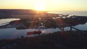 Vista aerea del fuco di panorama del ponte di Asparuhov Varna, Bulgaria archivi video