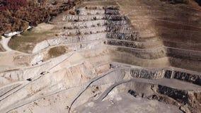Vista aerea del fuco di una cava concreta archivi video