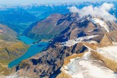 Vista aerea del lago del bacino idrico di Kaprun, Austria Fotografia Stock