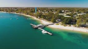 Vista aerea del molo di Bongaree sull'isola di Bribie, Australia stock footage