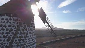 Vista aerea del mulino a vento video d archivio