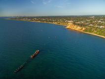 Vista aerea del naufragio storico di HMVS Cerberus al tramonto Me Fotografie Stock