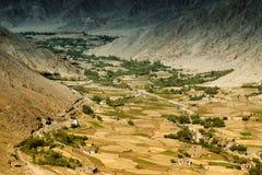 Vista aerea del paesaggio del ladakh, dalla cima del passaggio di Changla Fotografie Stock Libere da Diritti