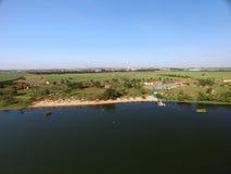 Vista aerea del parco ecologico nella città di Sertaozinho, Sao Paulo, Brasile fotografia stock libera da diritti