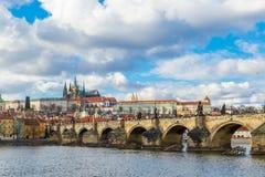 Vista aerea del ponticello del Charles a Praga immagini stock libere da diritti